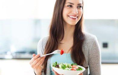 Συμβουλές διατροφής για ενίσχυση του ανοσοποιητικού στη διάρκεια της πανδημίας COVID-19